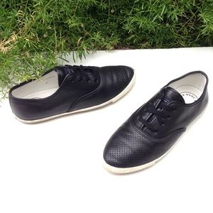 MARC BY MARC JACOBS  Black Leather Lace Sneaker 35
